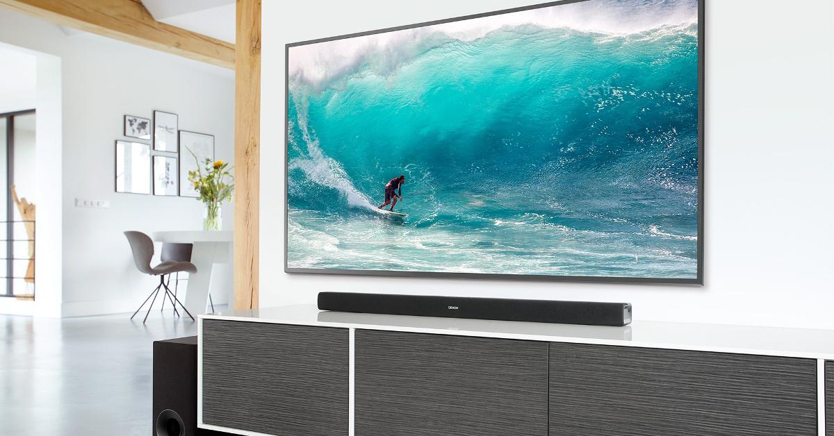 Саундбар и телевизор